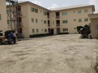 3bedroom flat with 2living rooms for rent in ire-akari estate, isolo