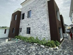 Luxurious 3 Bedroom Maisonette with BQ for Sale