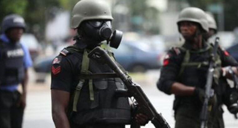 Police arrest two suspects with 390 wraps of cannabis in Delta