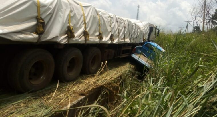 FRSC personnel spared from fatal crash as cement laden trailer rams into patrol van