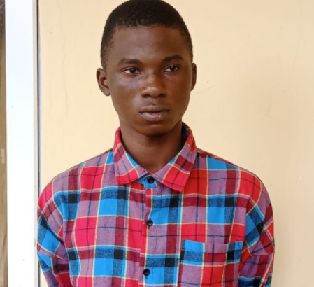 18 Year Old Boy Stabs Runs Girl To Death
