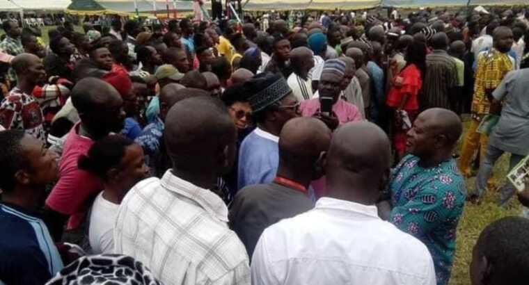 Hundreds of APC members join PDP in Benue [PHOTOS]