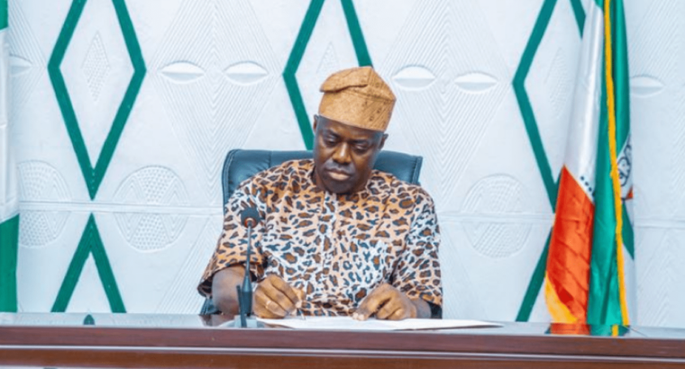 Makinde swears-in seven commissioners in Oyo