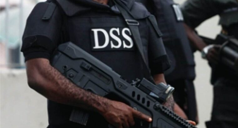Sunday Igboho's aides: DSS, journalists argue over move to deny cameramen access to courtroom